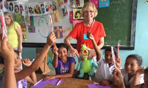 Honduras-Tuesday-school